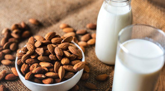 Latte di mandorla.. fatto in casa | Maria Teresa Nivuori - Biologa Nutrizionista